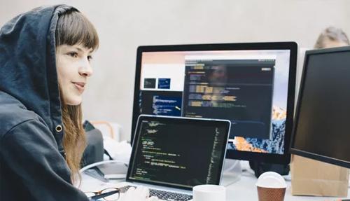 15 Bahasa Pemrograman Paling Popouler di Kalangan Programmer Wanita